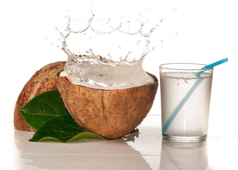 bere acqua di cocco abbassa la pressione